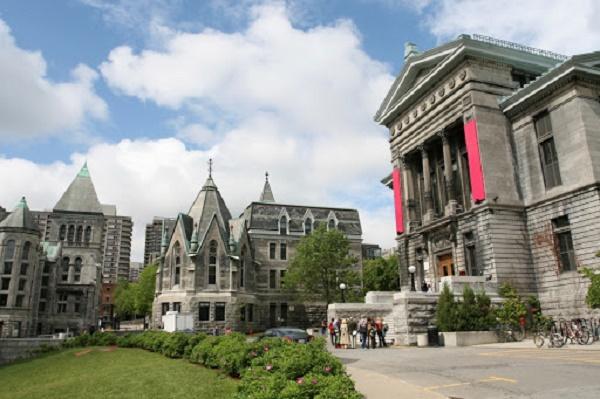 các trường đại học ở Canada